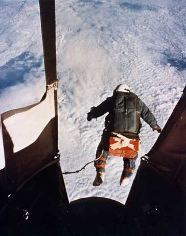 Joseph Kittinger's record-breaking skydive from 31,300 m